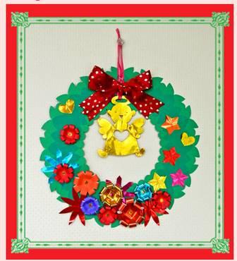 直径約25センチの大きな切り紙・クリスマスリース
