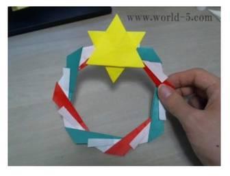 クリスマスリースの作り方!折り紙なら誰でも作れちゃう♪ | ネットの知恵袋