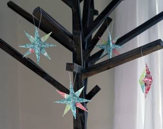 101 Days of Christmas: Paper Star Ornaments